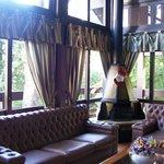 sala de tv no hotel