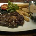 Steak, mushroom sauce, mushroom, tomato, fries