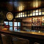 Ton nam bar