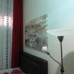 Картинки на стенах