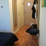 ingresso e porta del bagno