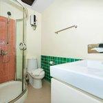 1-bedroom, Sea View's bathroom