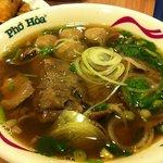 Foto de Pho Hoa Noodle Soup