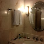 deluxe room that comes with a powder room & bathroom