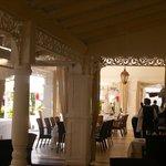 la terraza del restaurante del hotel sin parar para que todo esté perfecto