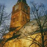 oder gesehen aus der Nähe: Eine imposante Schiffer-Kirche !