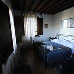 camera -- hotel vecchio asilo