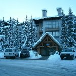 Blackcomb Hotel & Suites