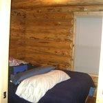 Main Bedroom-Deluxe Cabin