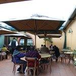Foto de Bonds Garden Restaurant