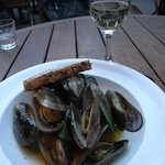 Fresh mussels ..... delicious!!!