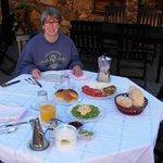 ontbijt onder de patio