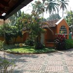View of the entrance from the main bungalow @ Tean Bungalow (Cochin - India)