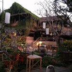 Phu Chaisai resort bar & lounge area