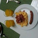Un assaggio della ricchissima colazione che offre l'hotel
