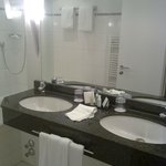 Crowne Plaza Hannover - Bathroom