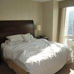 la camera da letto della suite 3103