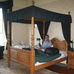 Værelse med god seng og dejlig bad