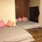 6 pax room - 3 queen beds