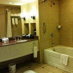 Sams Town Shreveport Magnolia Suite Bathroom