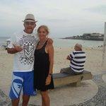 Na praia de Copacabana.