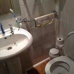 單人規格的浴廁