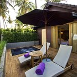 Sundecks & Private Jacuzzi - One Bedroom Villa