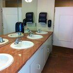 very nice restrooms, showers with hot water (no tokens required!)