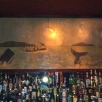 Whaling Bar & Grill resmi