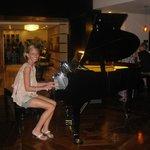 piano bar go here if ya wana get drunk lol