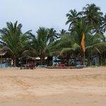 ... nette Kneipe und Super Strand