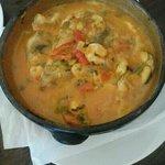 Moqueca mista (peixe e camarão)