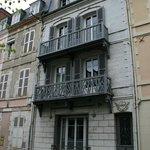 facade 2 chambres sur rue 2 chambres à l'arriere