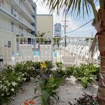 Coastal Palms Inn & Suites