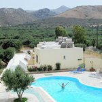 Rousolakos apartments with private pool and mountain views