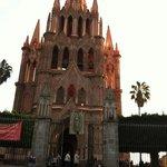 An architectural enigma ~ La Parroquia de San Miguel de Allende
