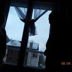 No nosso quarto curtindo a neve