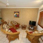 2BR lounge