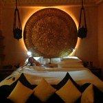 un lit immense et super confortable