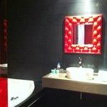 El lavabo y el jacuzzi