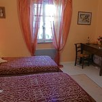 Occitan Room with twin beds and bureau