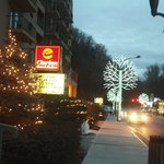 Front of Inn and street view winterfest.