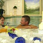 Lust auf ... romantisches Schwimmen bei Kerzenschein?