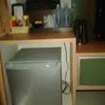 minibar with waterboiler