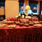 Breakfast buffet (table 2)