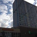 Foto del frente del hotel