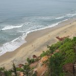 Blick auf den Strand vom Hotelgarten.
