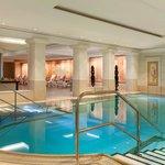 Pool Hotel Adlon Kempinski