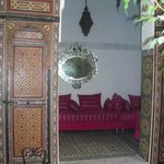 Salon in Dar Iman