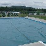 solar heated 20x40 swimming pool